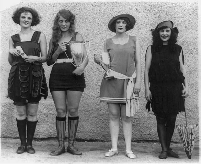 Four prize winners in annual beauty show, Washington Bathing Beach (1922)