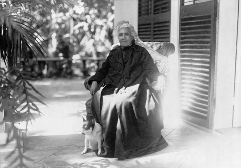 Queen Liliuokalani, last royal ruler of Hawaii (1917)
