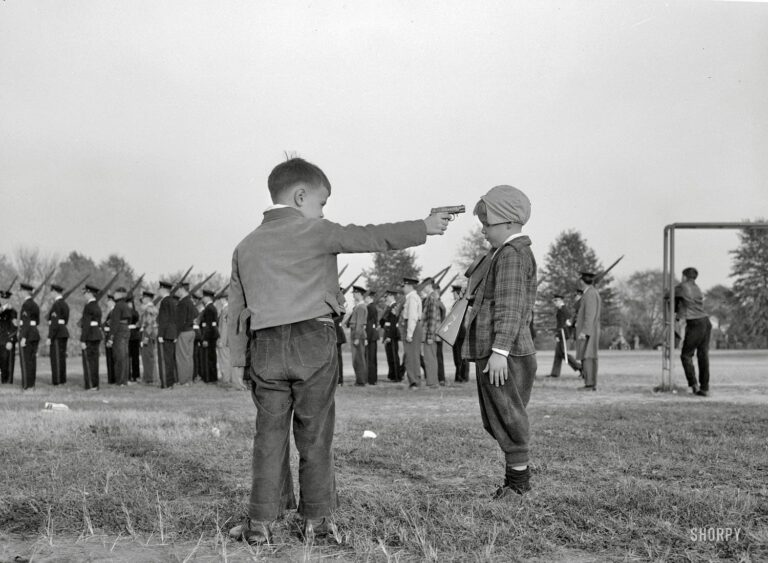 Kids playing with guns at Woodrow Wilson High School (1943)