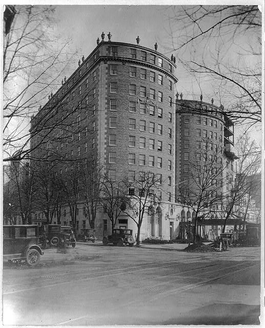 Mayflower Hotel in 1925 (Library of Congress)