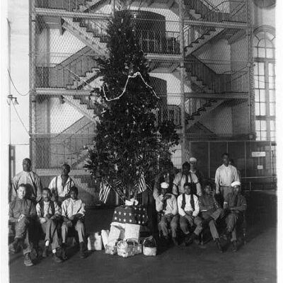 Inside the District jail during Christmas around 1920 (Library of Congress)