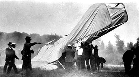 Fatal crash of Wright Flyer at Fort Myer, Virginia - September 17th, 1908 (National Archives)