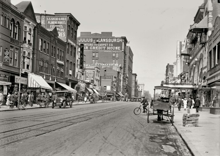 looking north on 9th St. NW in 1915 (Shorpy)