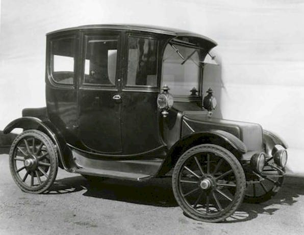 1914 Raush & Lang electric vehicle (Smithsonian)