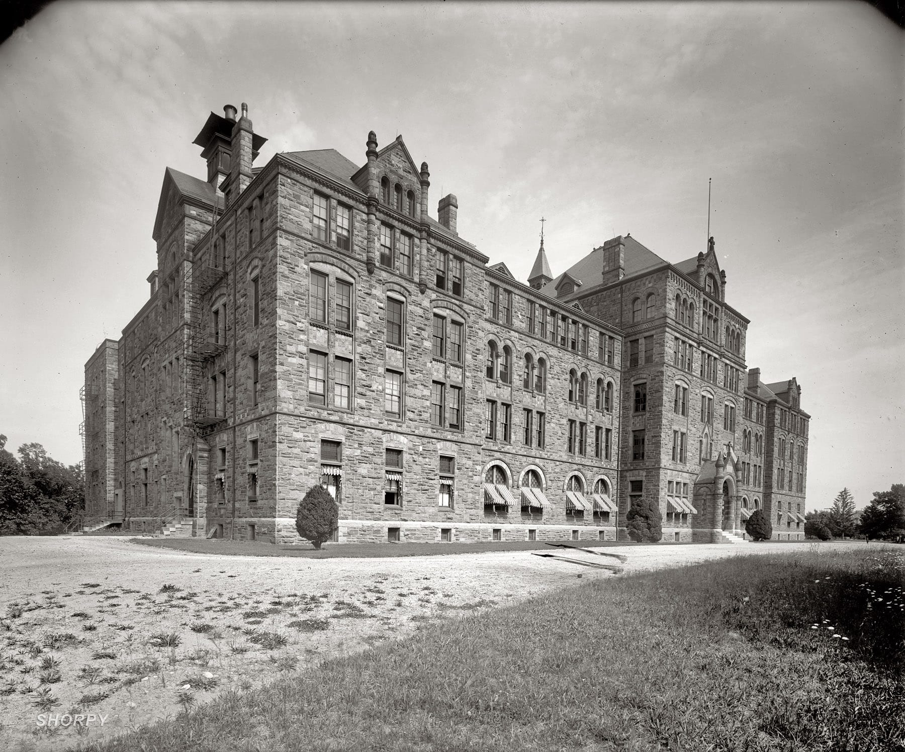 Caldwell Hall at Catholic University (1915)