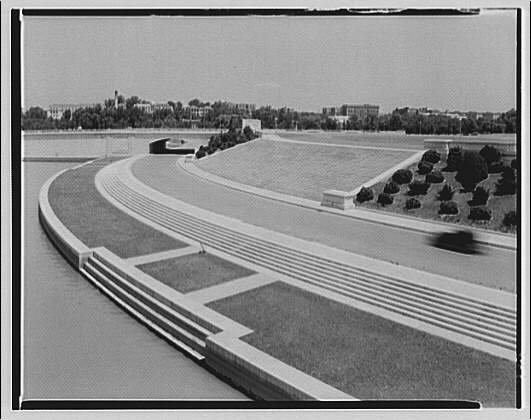 The steps leading up the the Lincoln Memorial around 1930 (Library of Congress)