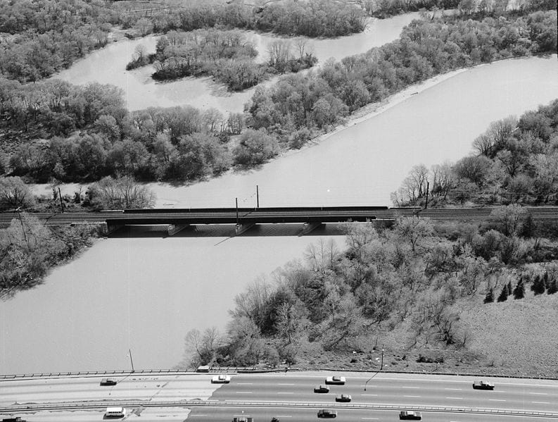 Image of Amtrak Anacostia River Bridge in Washington, D.C.. View looking south. The New York Avenue Bridge is seen in the foreground. 1977. (Wikipedia)