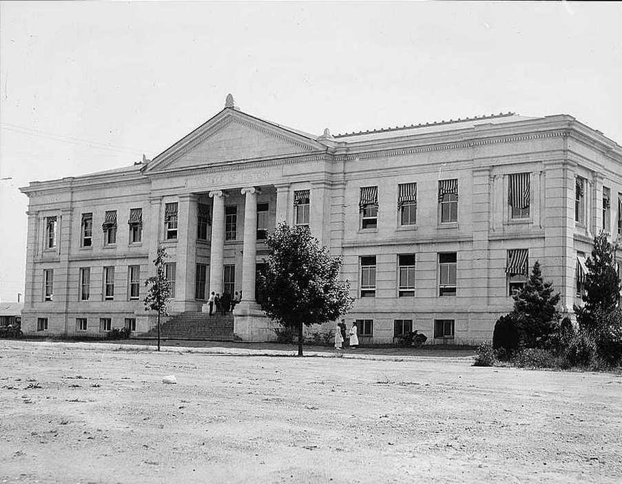 Hurst Hall at American University in 1918