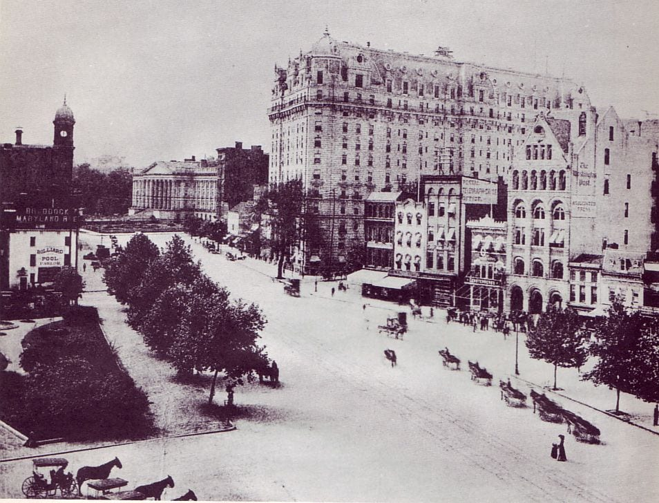 1300 & 1400 blocks of Pennsylvania Avenue in 1908