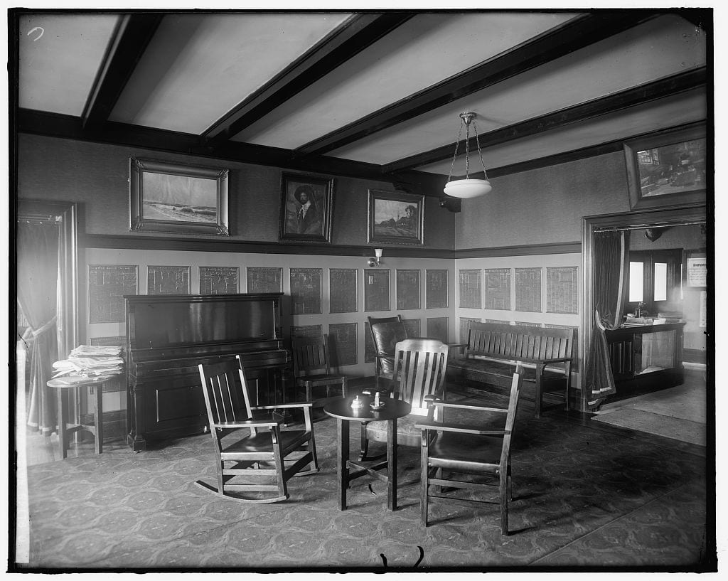 National Press Club lounge in the 1930s (Library of Congress)
