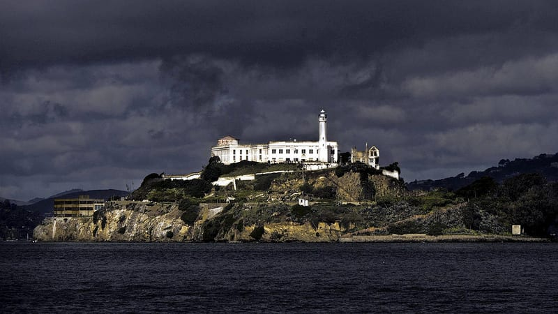 Alcatraz from the water (coreypoole.com)