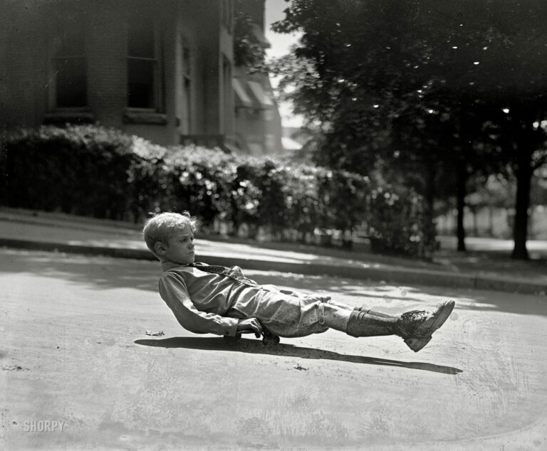 September 15, 1922. Clarence Sherrill, son of the Washington, D.C., superintendent of public buildings. National Photo Co.