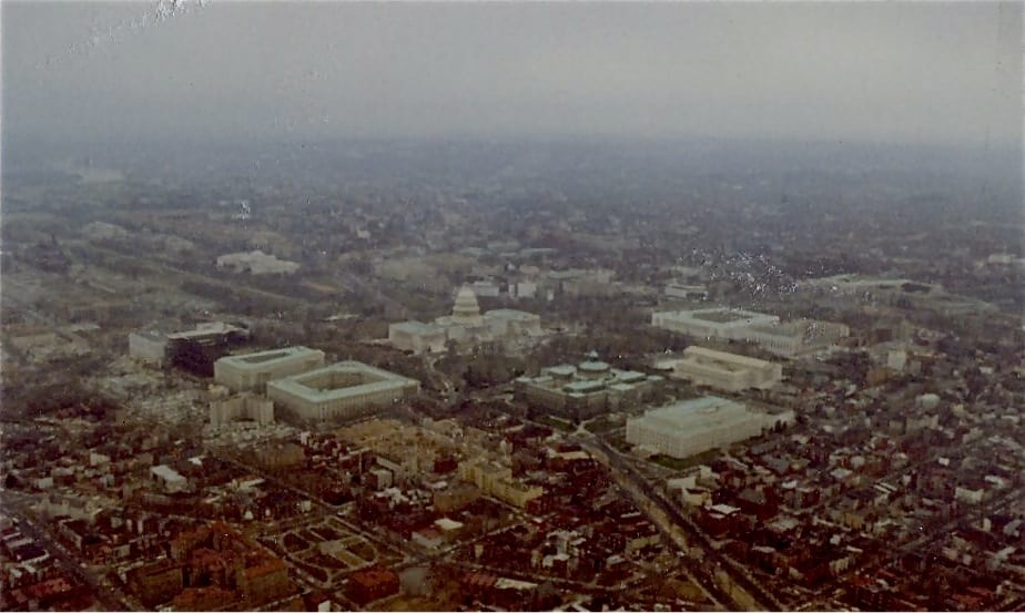 airline pilot's view of the U.S. Capitol Building