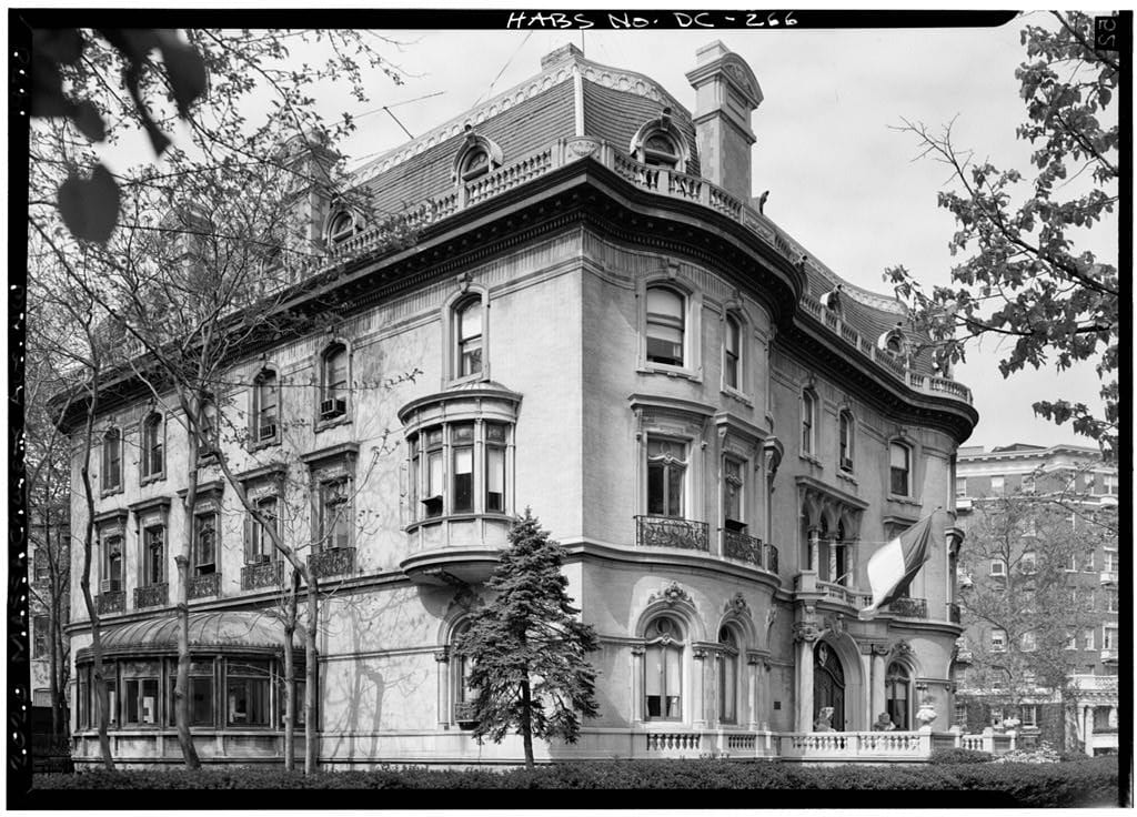 Walsh-McLean Mansion in 1970 (Library of Congress)