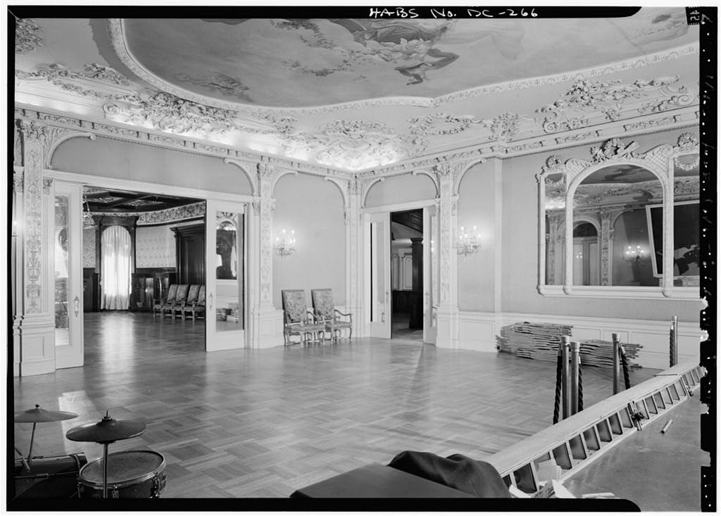 Walsh-McLean Mansion drawing room in 1970
