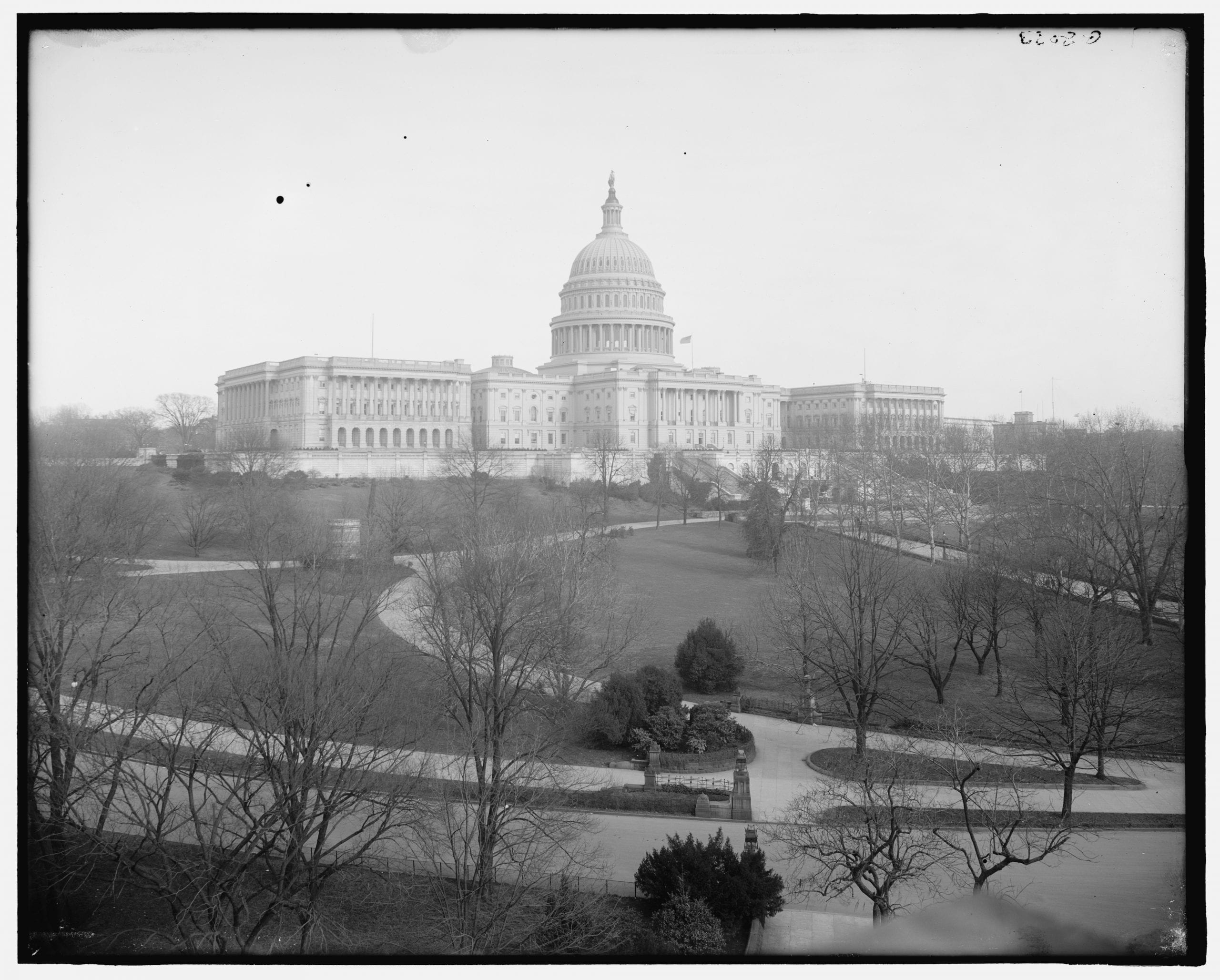 west front of the Capitol Building around 1910