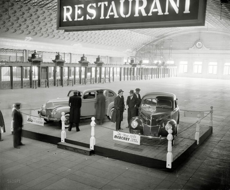 """November 23, 1938. Washington, D.C. """"Ford Motor Co., Union Station."""" For the 1939 model year, Ford debuted a new brand called Mercury."""