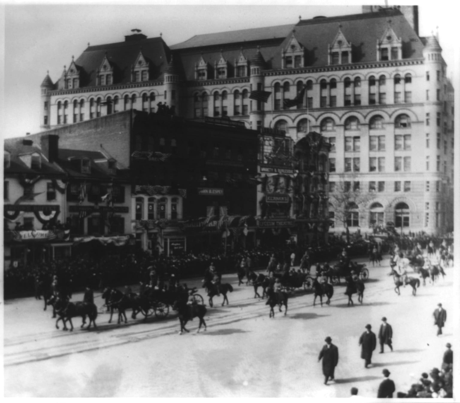 President Theodore Roosevelt passing 10th Street and Pennsylvania Avenue in inauguration parade on way to the Capitol