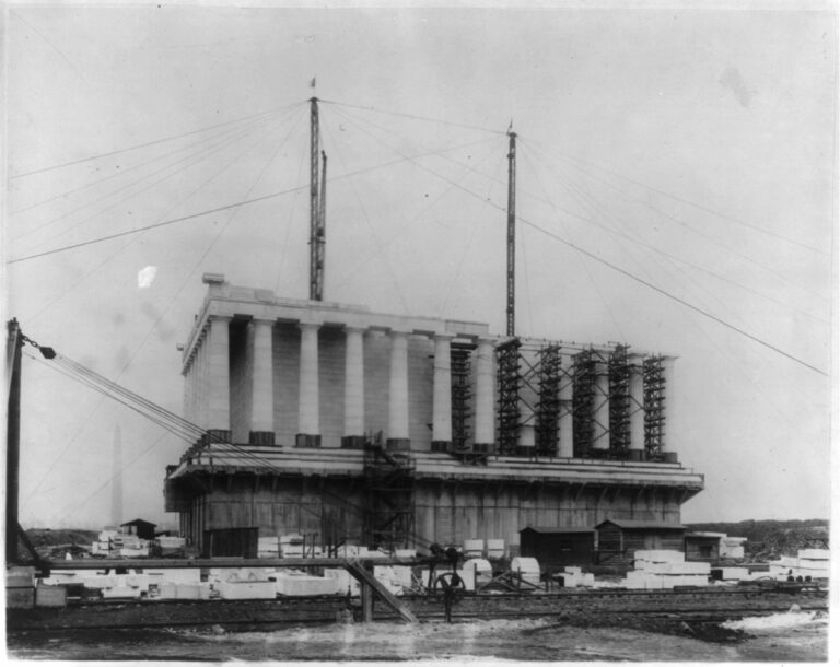 Lincoln Memorial under construction