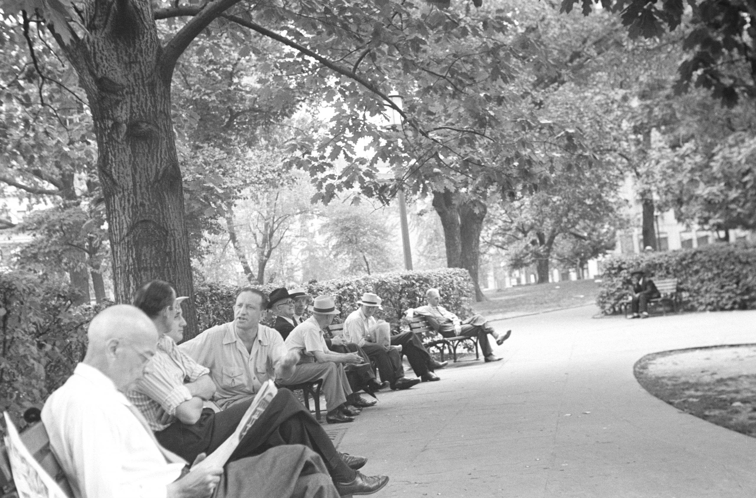 Franklin Square Park in 1943