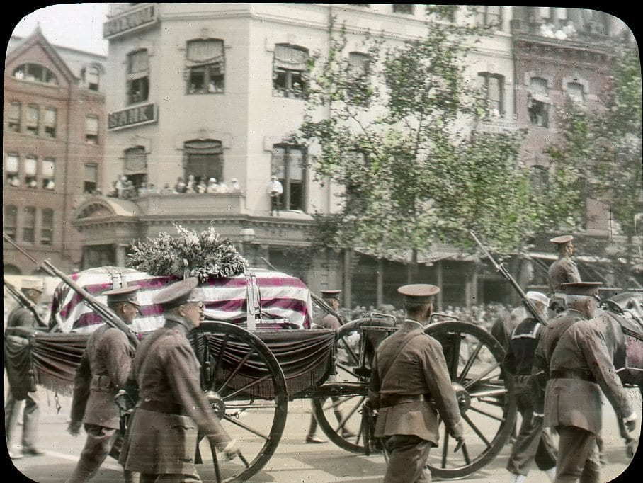 Amazing Colorized Photo of Unknown Soldier