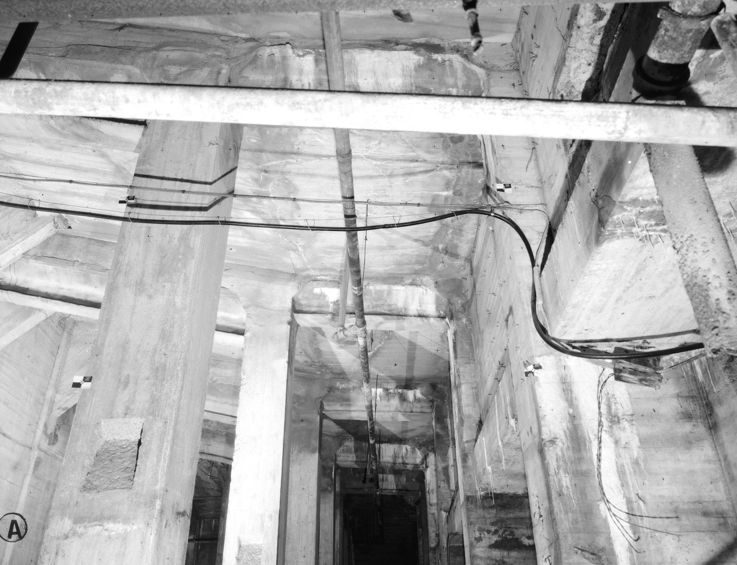 Basement below north terrace, looking west. 15 July 1992. - Lincoln Memorial, West Potomac Park, Washington, District of Columbia, DC