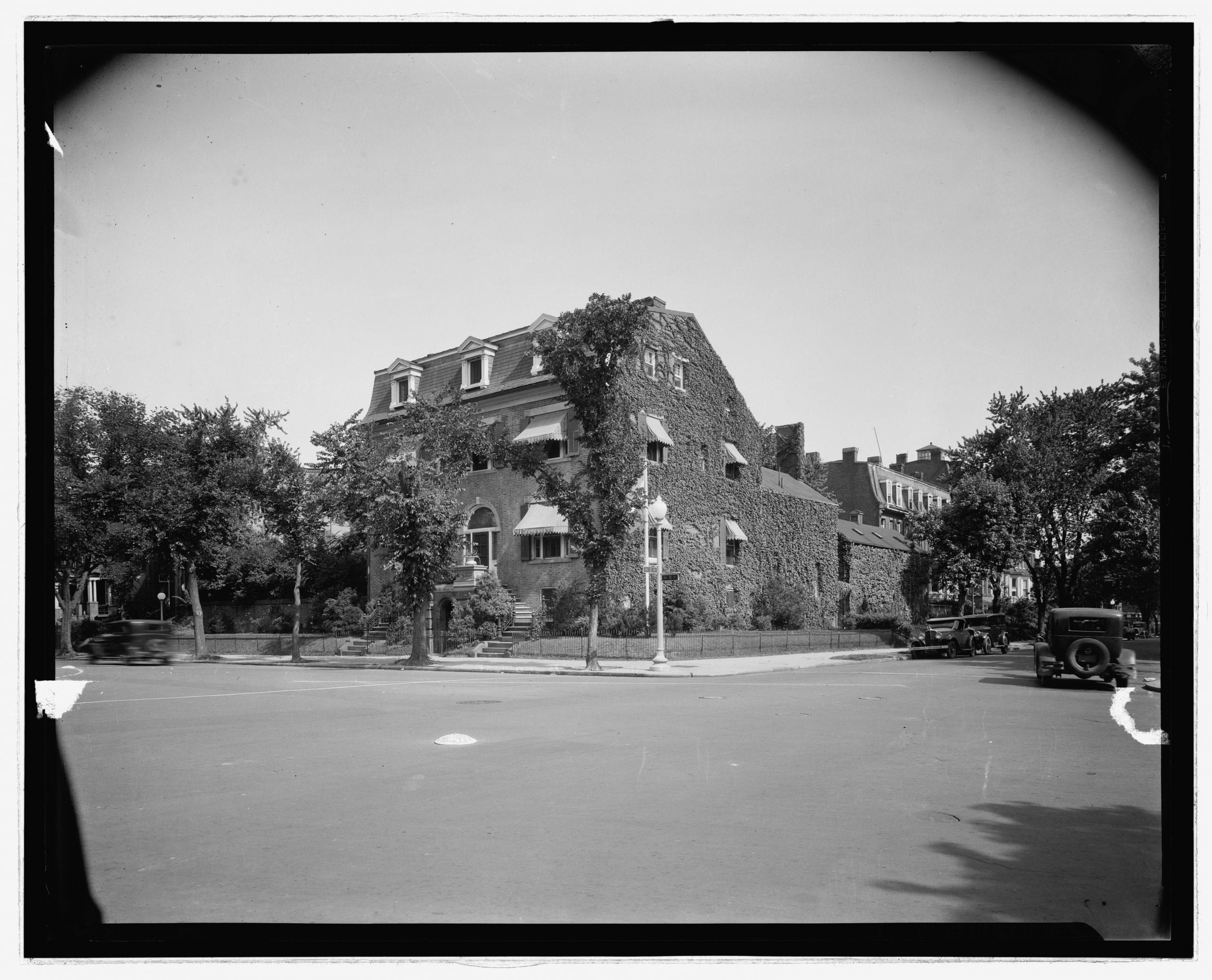 Photo shows Sewall-Belmont House, 144 Constitution Avenue, N.E., Washington, D.C.