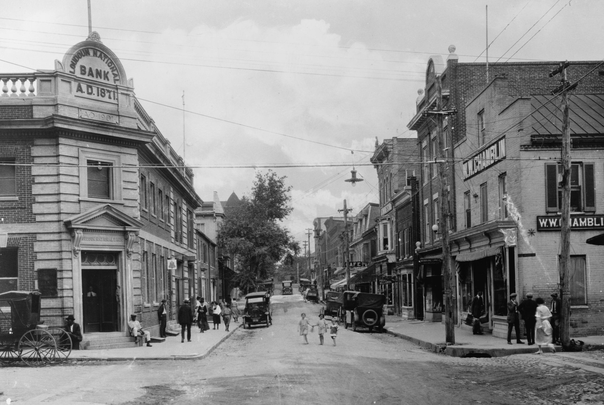 Then and Now: King and Market Streets in Leesburg