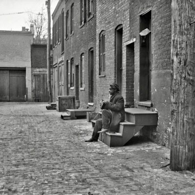 Another Great Photo of Alley Row Houses (1923)