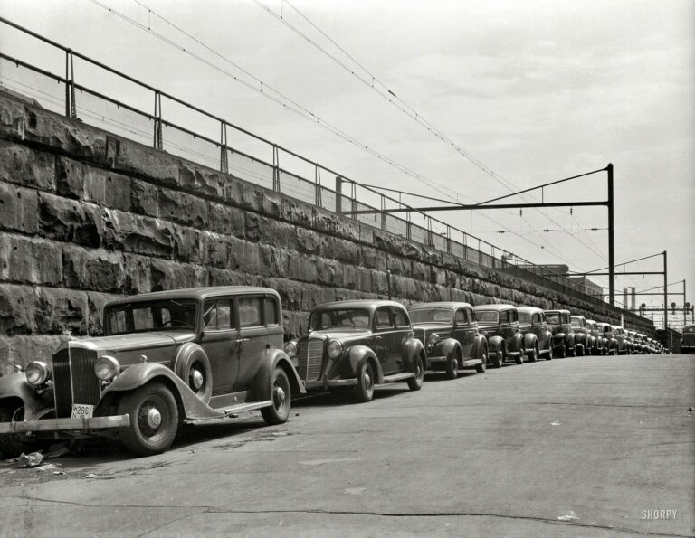 1939 photograph next to the railroad tracks