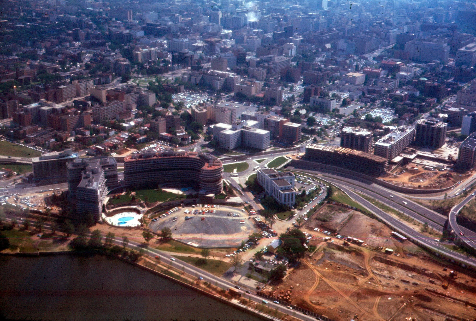 View from a Lockheed Elektra on approach to Washington National in 1967. The Watergate complex is under construction to the left and the Kennedy Center to the right.