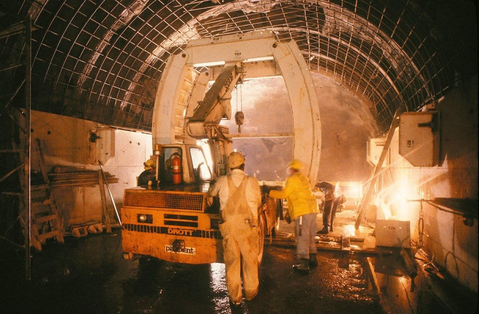 Nov 1982 | Crews work to complete the building of the tunnel near Forest Glen Station.