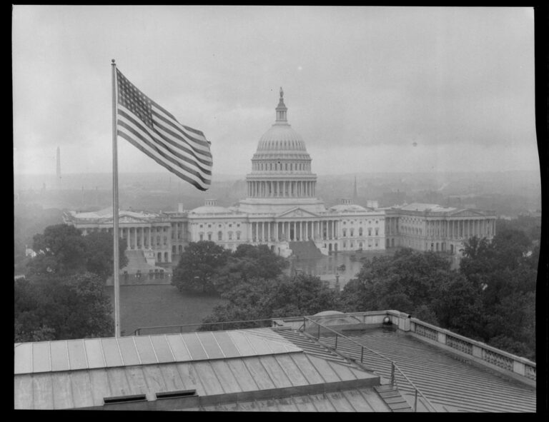 Capitol Building in 1924