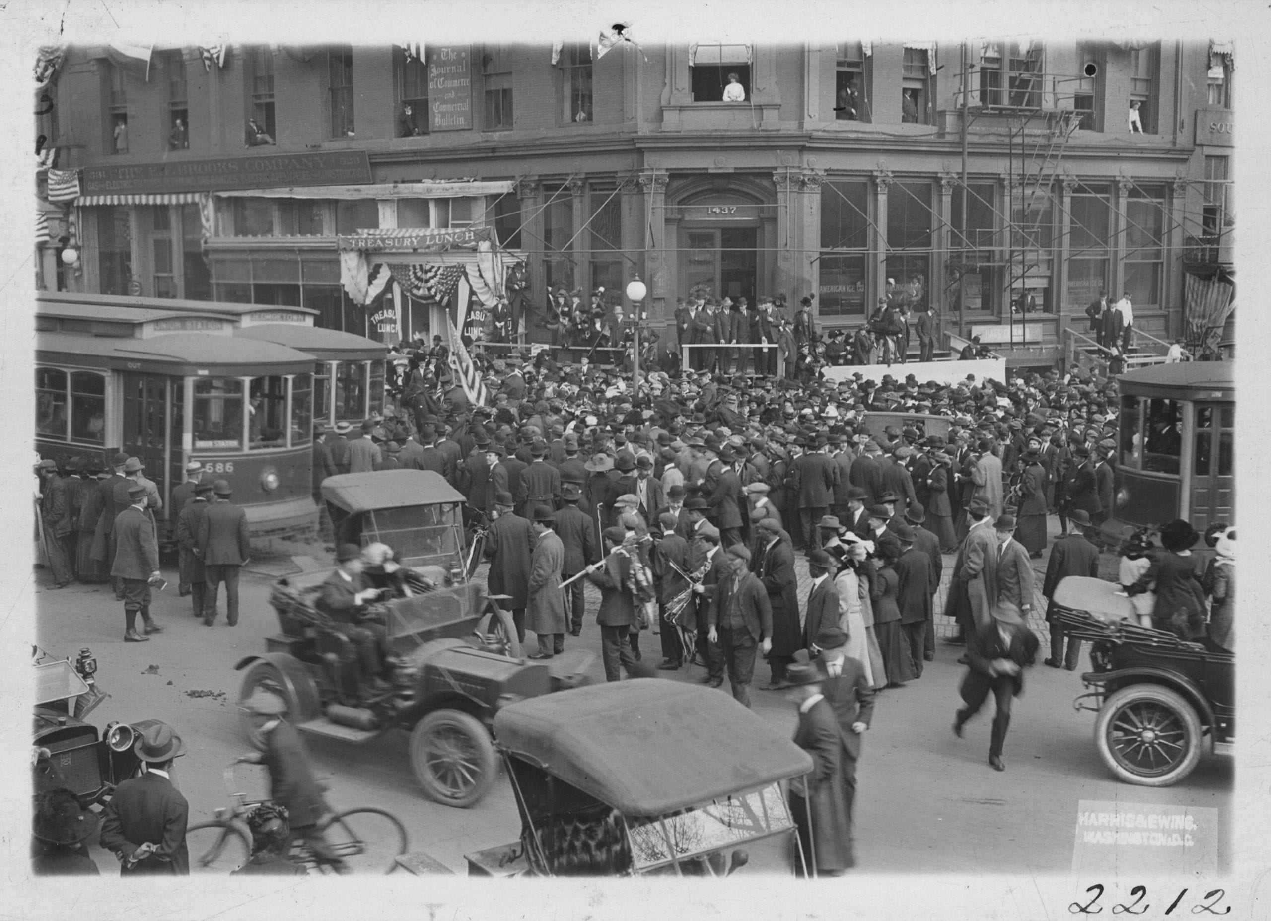 Suffrage open air meeting at the National Capitol demanding that Congress pass the National woman suffrage amendment-- Feb. 1913. Corner Penn. Ave. and 15th St. where the Washington Hotel now stands.
