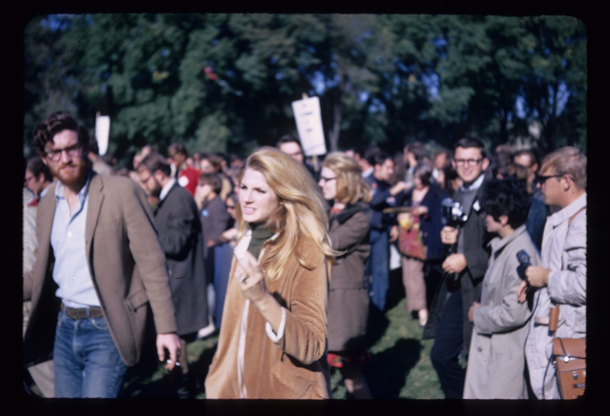 Incredible Photos of 1967 March on Pentagon Against the Vietnam War
