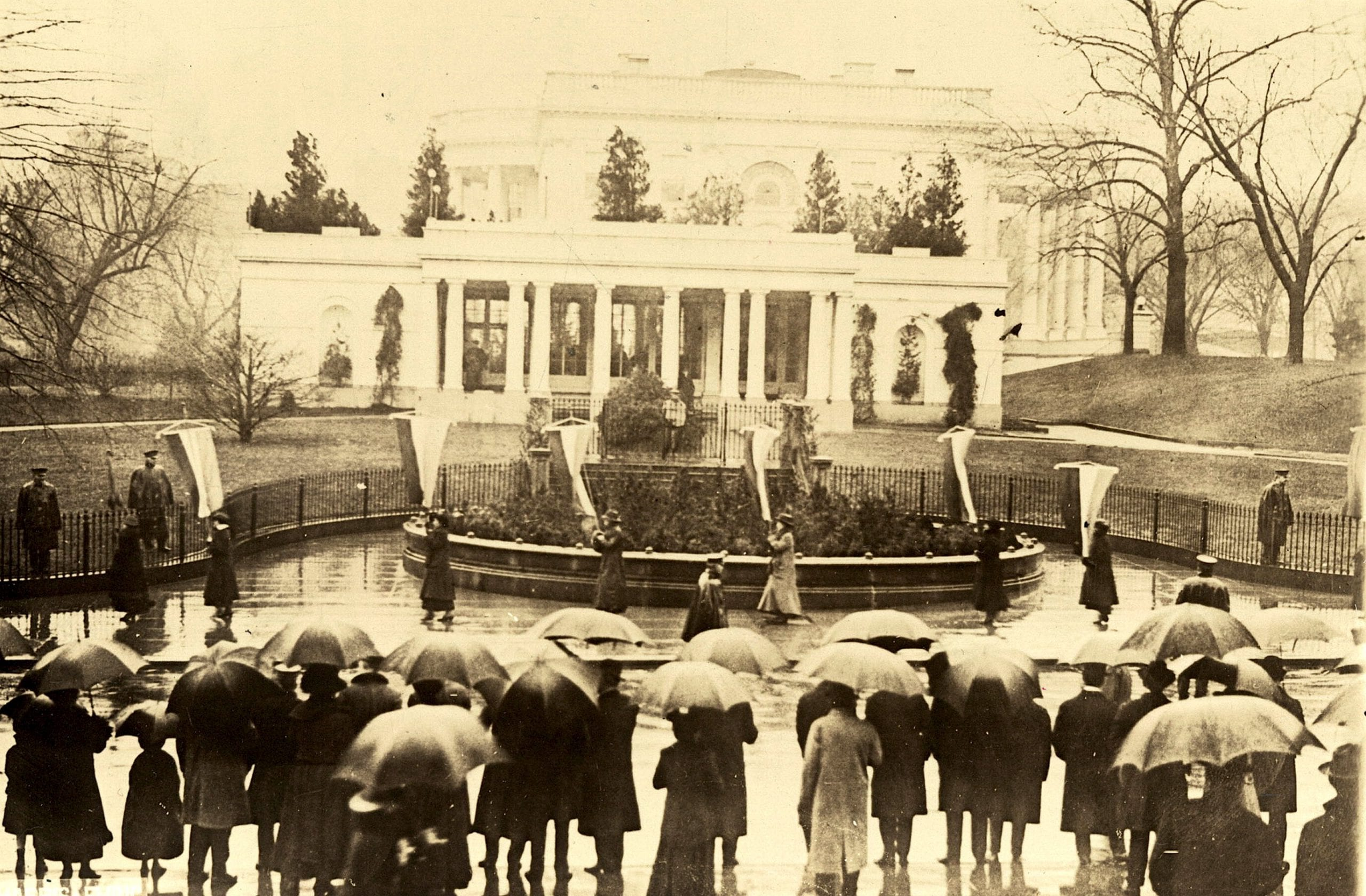 Picketing the White House at Wilson's second inauguration, March 4, 1917