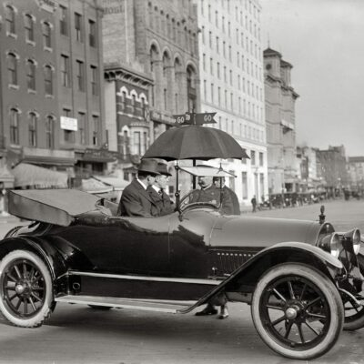 D.C. Traffic Cop at 14th and Pennsylvania in 1913