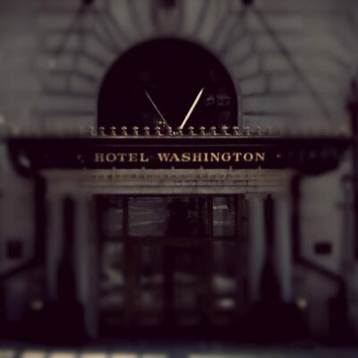 Hotel Washington entrance