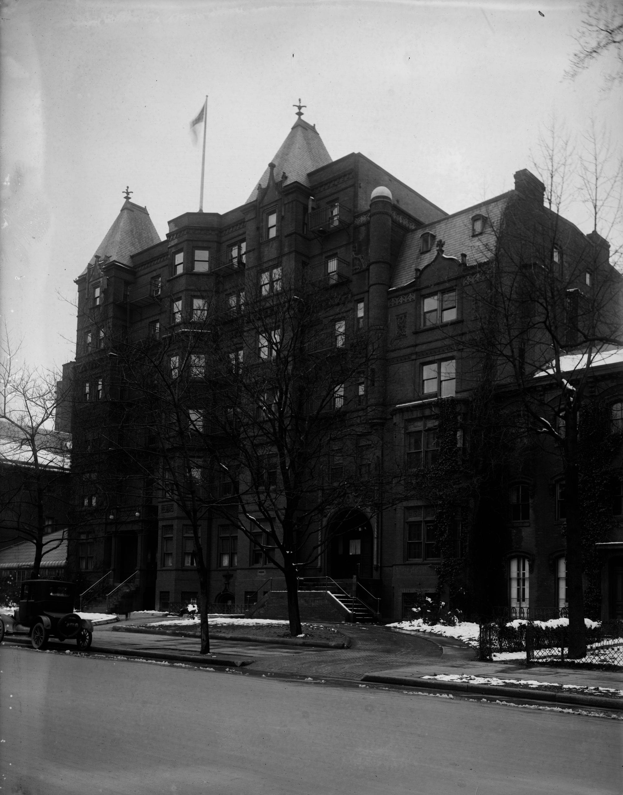 Beautiful Lost Gordon Hotel at 16th and I Streets