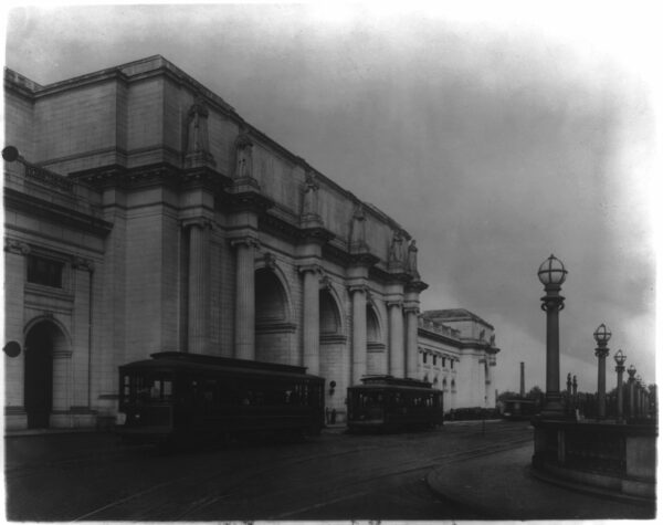 streetcars in front of Union Station