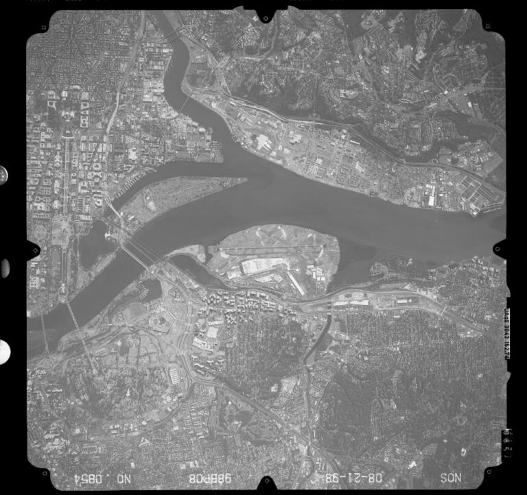aerial view of Washington National and the Pentagon