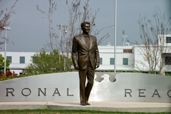 House Bill Proposes Renaming D.C. to Reaganstown in 2005