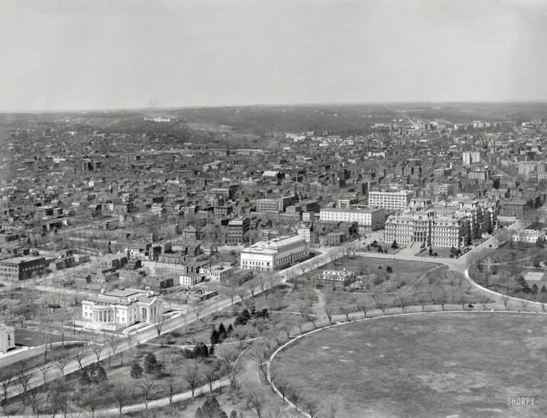 Circa 1911, landmarks include, from left, Memorial Continental Hall (headquarters of the Daughters of the American Revolution); the Corcoran Gallery of Art; State, War and Navy Building; and White House West Wingtip. 8x10 inch glass negative, Detroit Publishing Company.