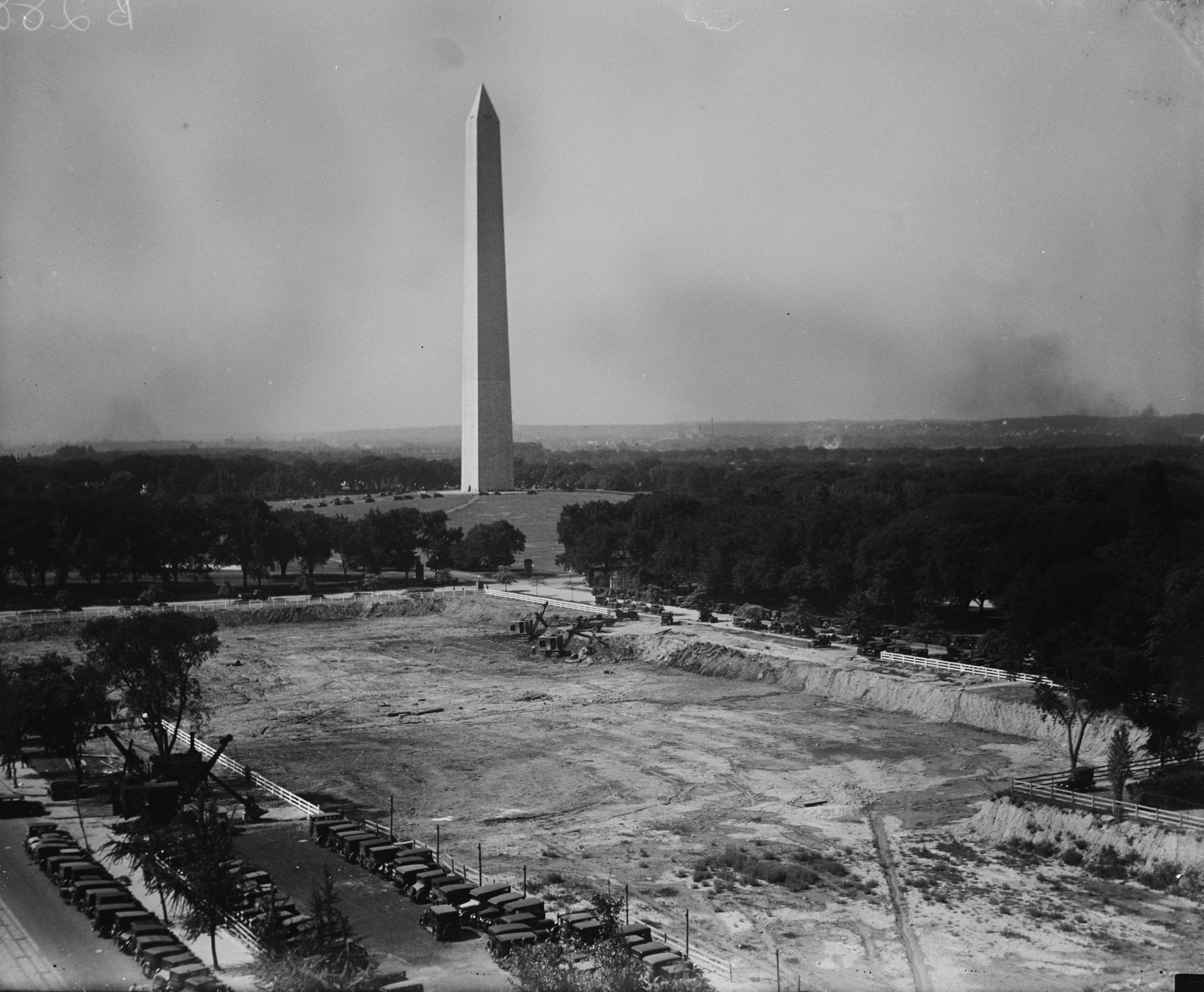 Beautiful Washington Monument in 1928