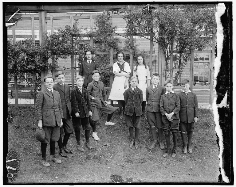 Eaton School children in the 1910s