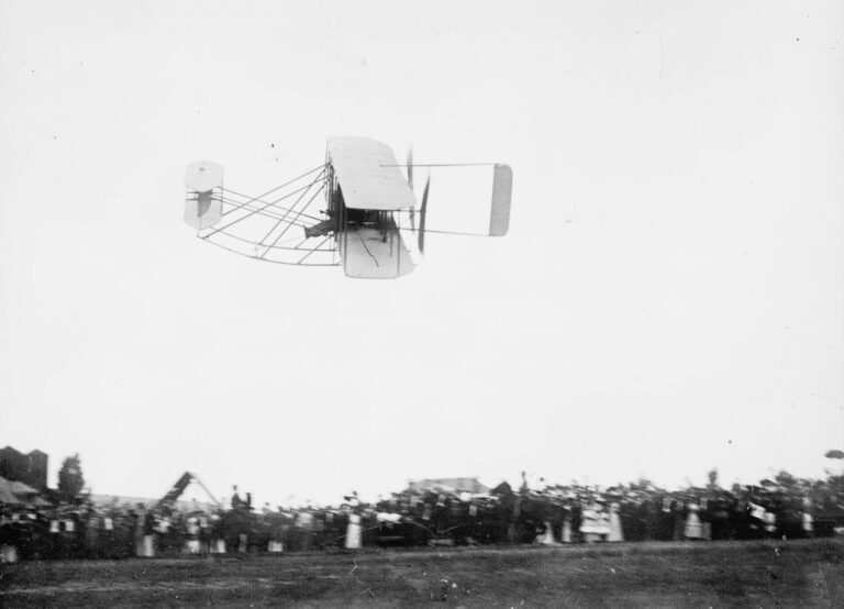 Wright Brothers plane over Ft. Myer in Arlington - 1909