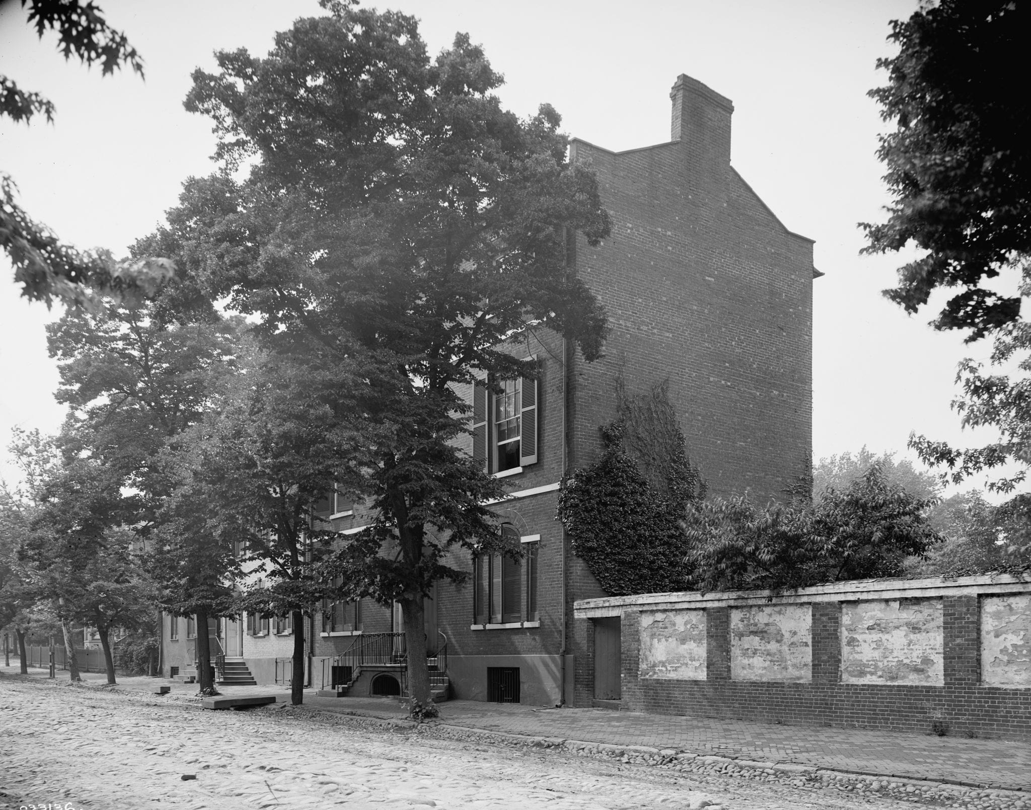 Then and Now View of Lord Fairfax House in Alexandria